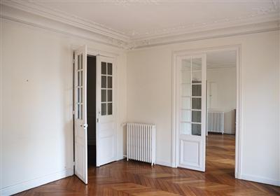 un architecte d 39 int rieur vous aide prendre votre d cision lors de votre achat immobilier. Black Bedroom Furniture Sets. Home Design Ideas
