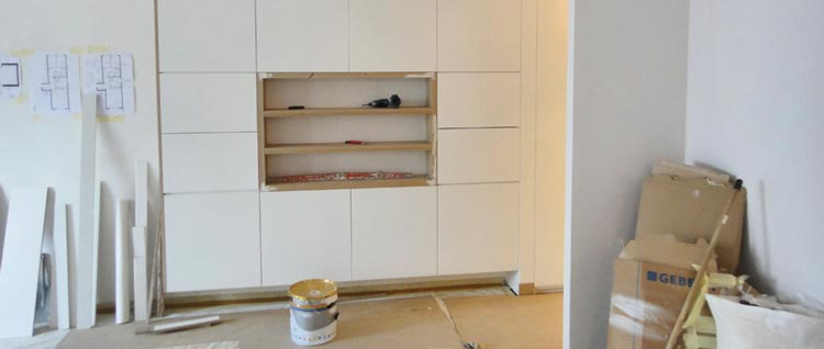 courtier en travaux lors d 39 un chantier toulouse. Black Bedroom Furniture Sets. Home Design Ideas